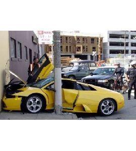 voiture-emboutie