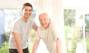 Les aides à domicile: améliorer la vie des seniors