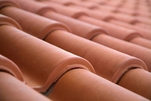 La tuile en terre cuite, ce matériau de toiture durable