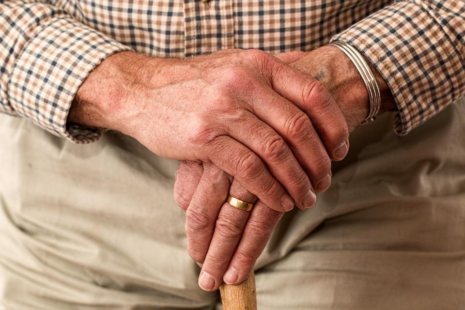 Quel âge pour investir en résidence senior?