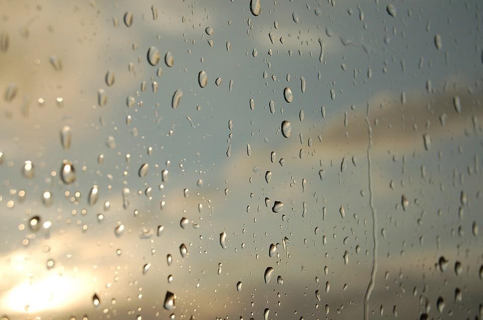 Nettoyage des vitres: 5 astuces de grand-mère