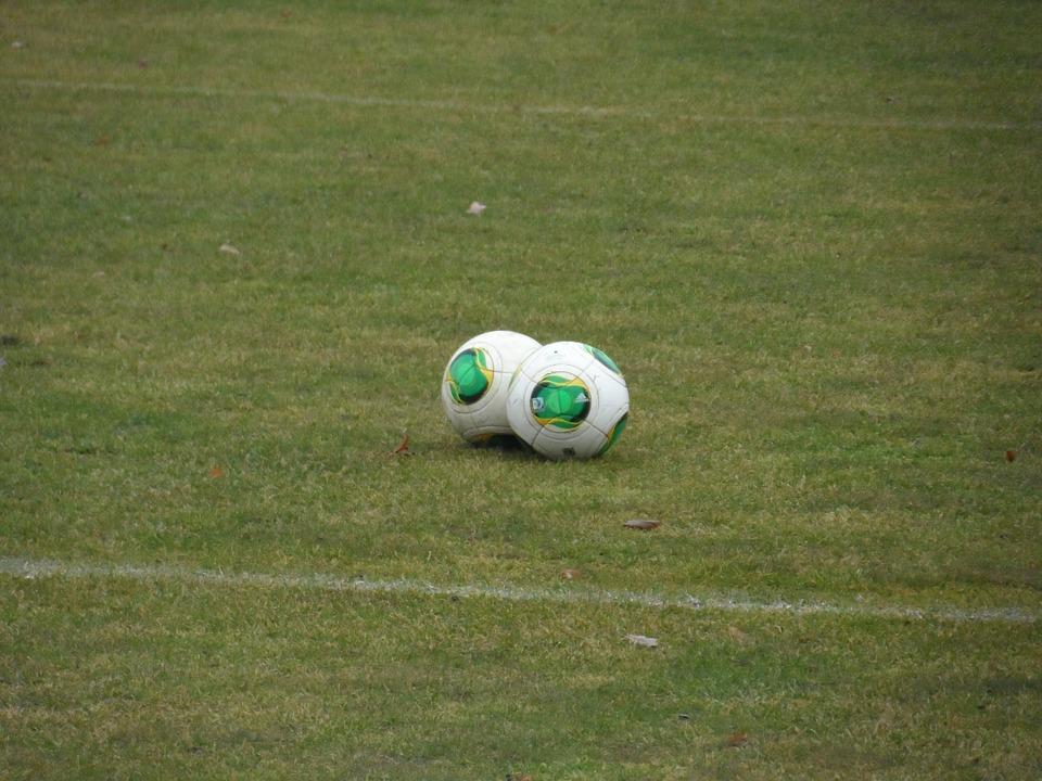 Ballon de foot publicitaire : Une histoire de ballon !