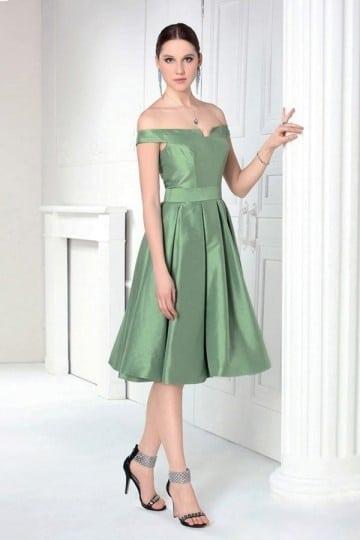 Faites une expérience nouvelle de la robe de cérémonie sur robedesoireecourte.fr