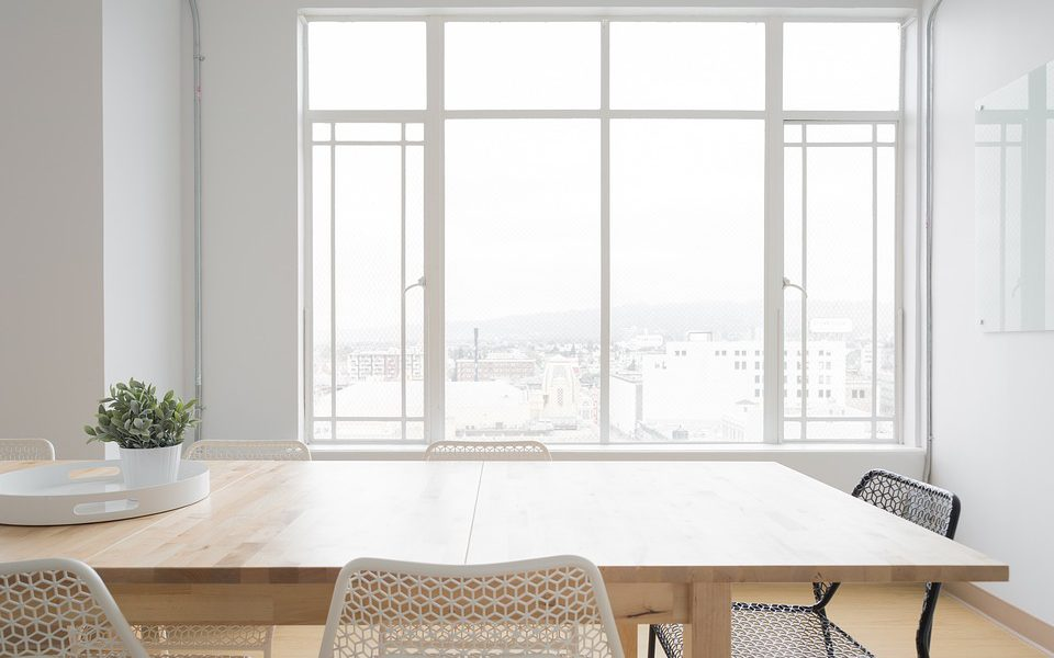 Chaises design lesquelles choisir pour sa salle manger for Salle a manger style colonial