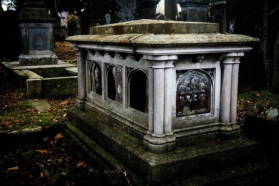 Le cimetière du Père-Lachaise : les 6 tombes immanquables