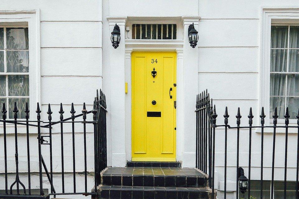 Tous les conseils pour ouvrir une porte claqu e - Comment ouvrir une porte fermee a cle avec un trombone ...