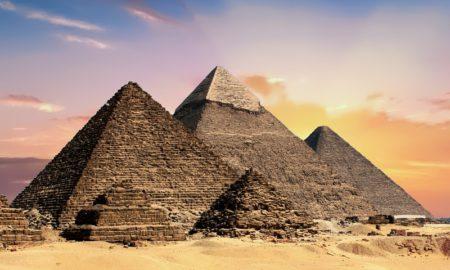 Les pyramides: tombeaux des rois