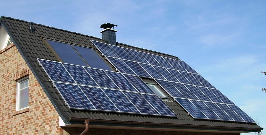 Tuile photovoltaïque : le panneau solaire 2.0