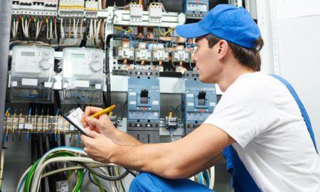 L'entreprise CHATEL HABITAT SYSTÈME est spécialisée dans la réalisation d'installations électriques. Elle propose différentes prestations aux particuliers et professionnels. Etant électricien reconnu à Malestroit, à Vannes, à Ploërmel et leurs alentours. Elle prend en charge les habitations individuelles, collectives et les bâtiments tertiaires.