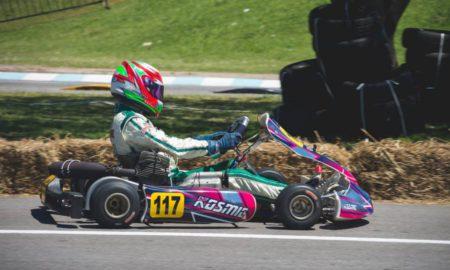 Initier son enfant à la pratique du karting en toute sécurité
